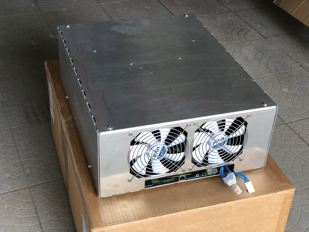 Koparka BTC KnCMiner Jupiter 700 GH/s radiatory