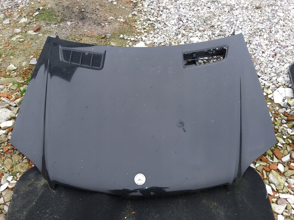 Mercedes ML W164 maska kolor czarny