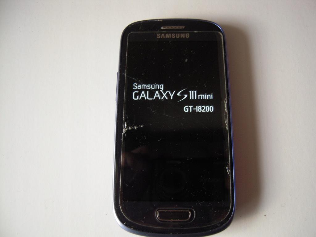 Smartfon Samsung Galaxy S3 Mini niebieski 8 GB