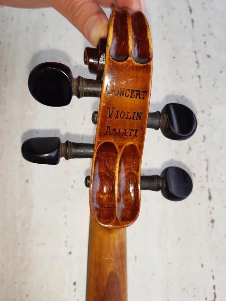 Piękne skrzypce 4/4 Salvadore de Durro model Amati