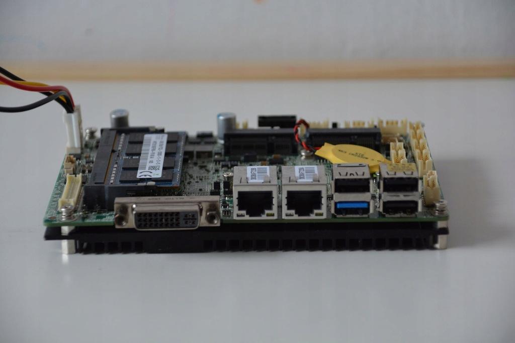 """MSI SBC Celeron Quad J1900 3,5"""" Dual Gigabit"""