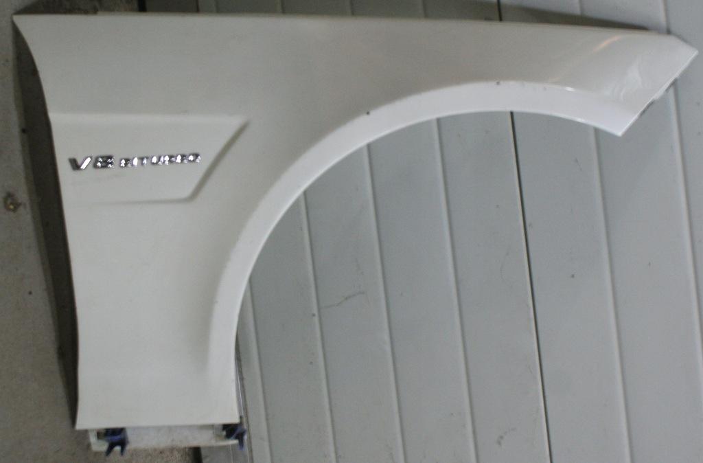 MERCEDES 212 AMG BŁOTNIK PRAWY WW212 6.3 AMG