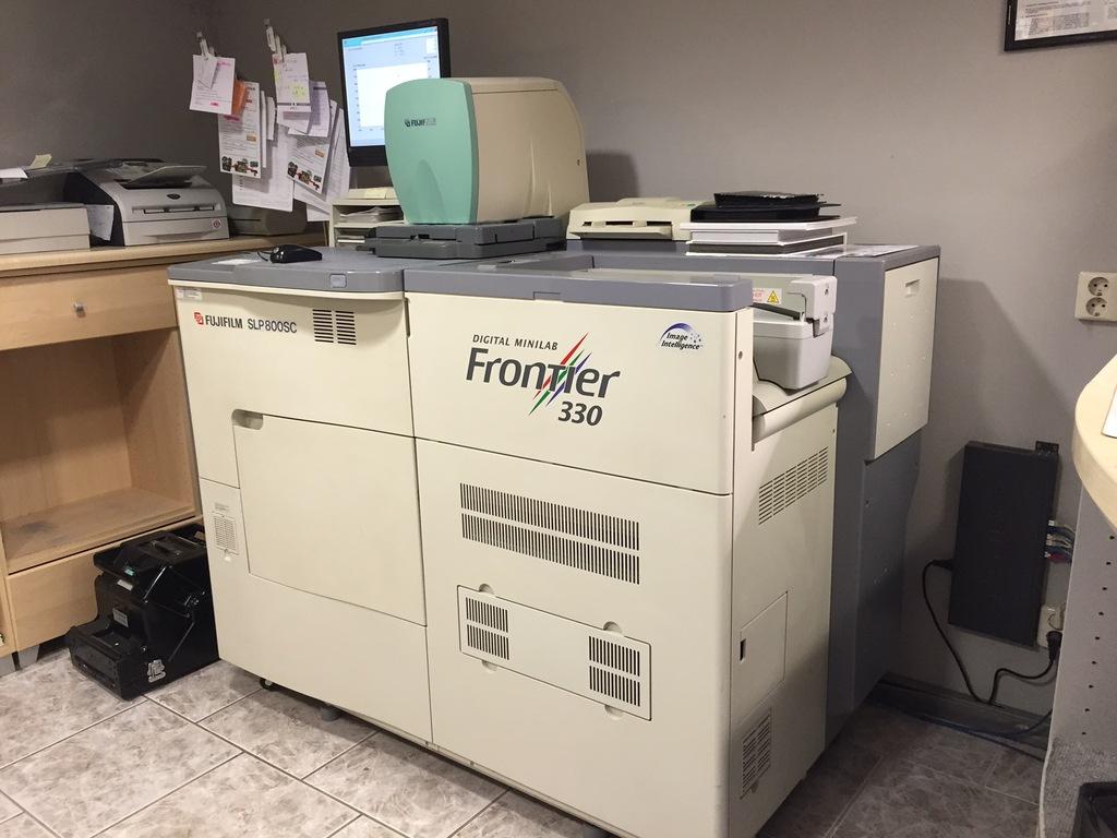 Minilab Fuji Frontier 330,części,7 kaset, części