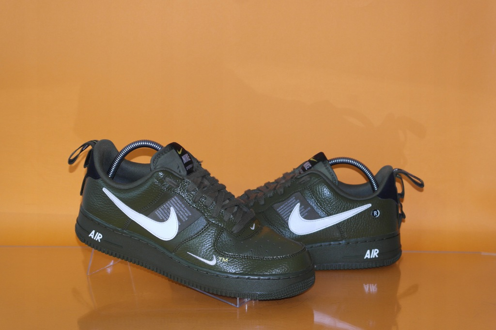 NIKE AIR FORCE 1 '07 LOW LV8 Utility buty r.42,5