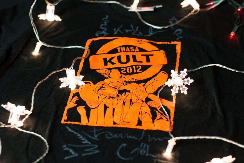 "Koszulka Kultu ""Trasa Kult 2012"" z autografem"