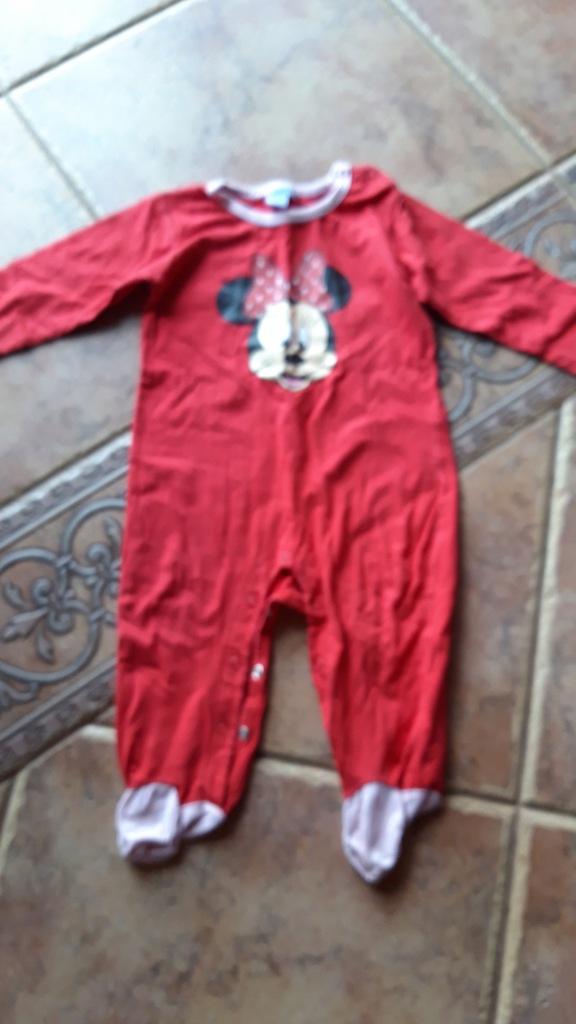 pajacyk piżamka Disney 12 m