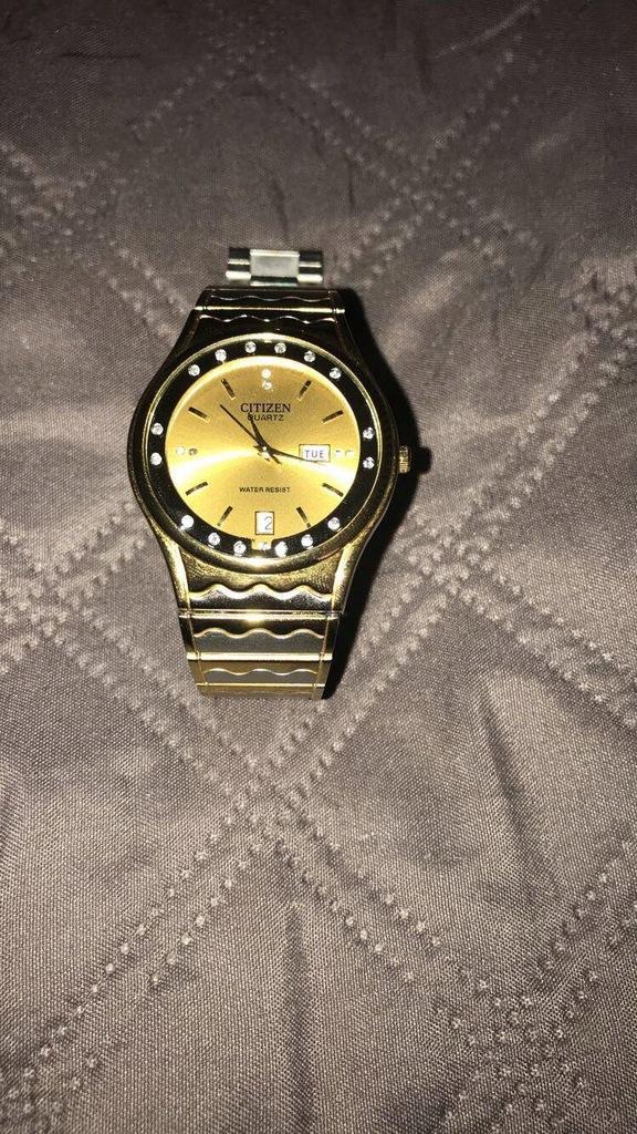 Zegarek Citizen Złoty
