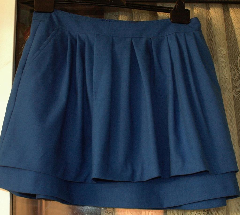 H&M sliczna spodnica chabrowa r 3840 gratis 7785927720