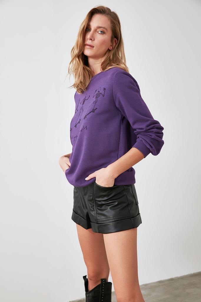 Fioletowa bluza basic z dzianiny z nadrukiem