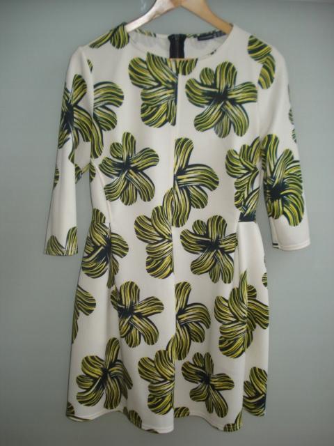 ATMOSPHERE biała sukienka w duże kwitay NOWA 42/XL