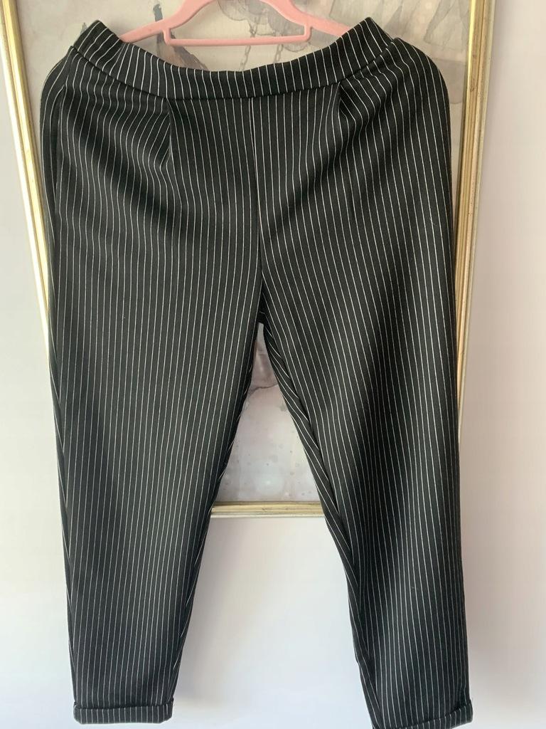 Reserved czarne spodnie w paski L 40 joggersy