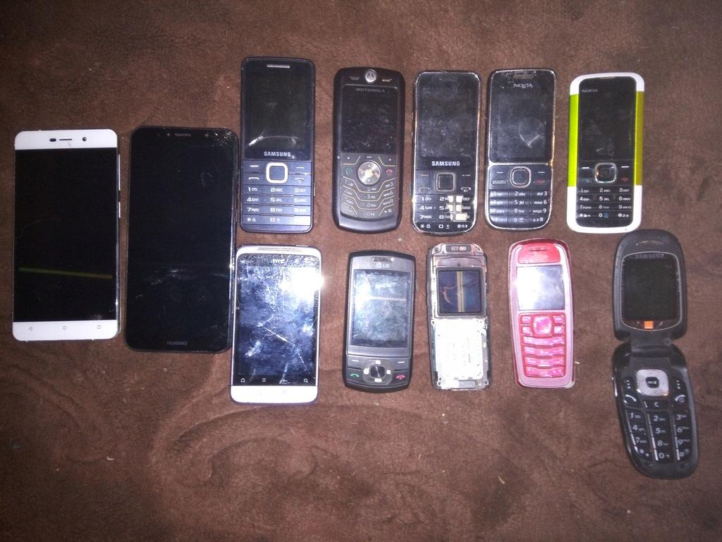 ZESTAW TELEFONÓW 12 SZTUK