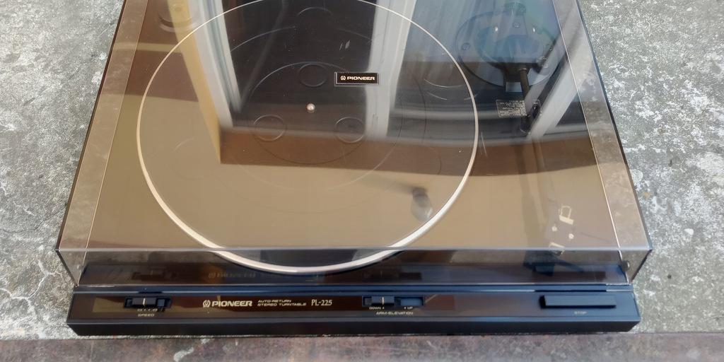 gramofon Pioneer PL 225