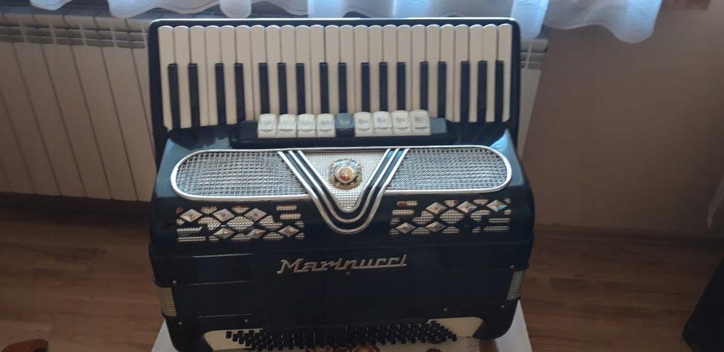 Włoski Akordeon - MARINUCCI 4 chóry - 120 basów