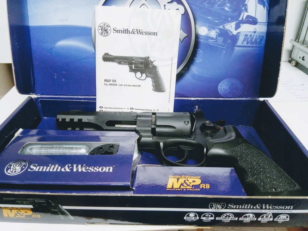 PISTOLET SMITH&WESSON R8