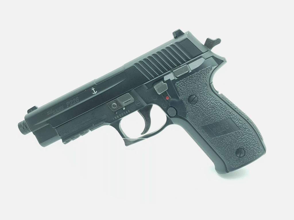 Wiatrówka Sig Sauer P226 4,5mm - Czarna / Kabura