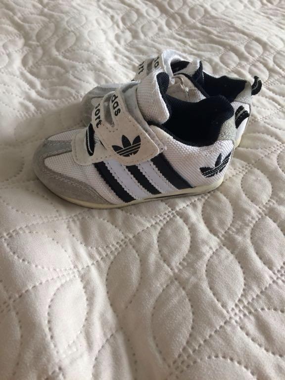 Sportowe buty adidas 21 15 cm + druga para