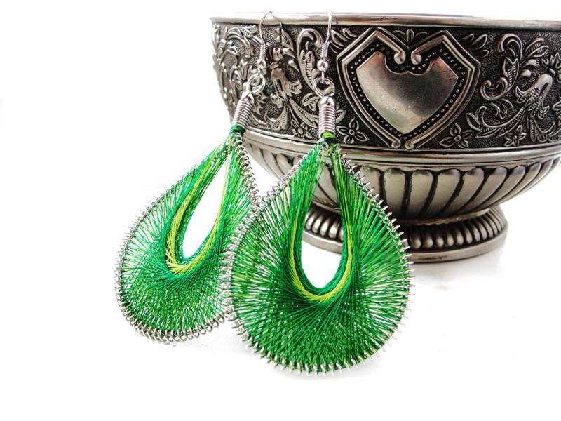 Kolczyki wiszące - sznurkowe - zielone