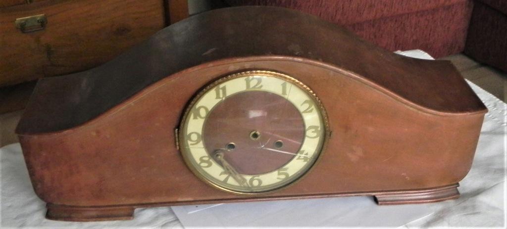 Stara skrzynka zegara kominkowego-do renowacji.