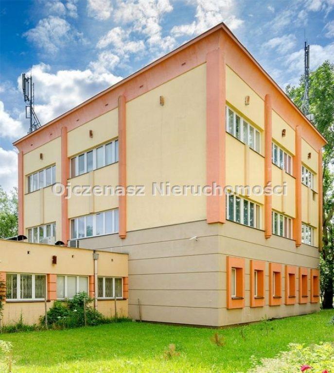 Biurowiec, Zielona Góra, 1676 m²
