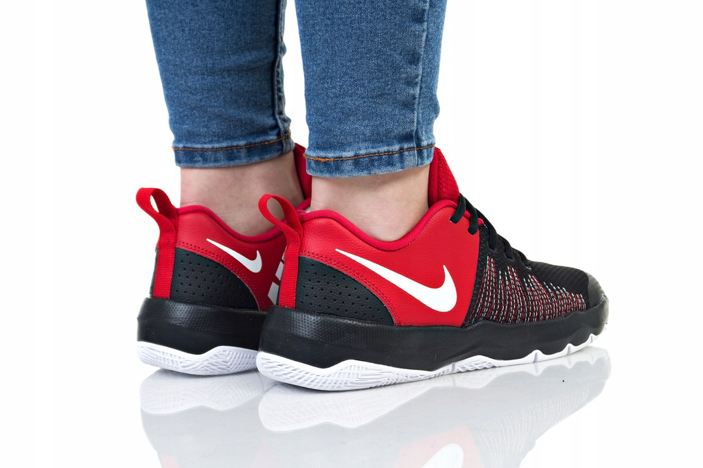 Nike Buty damskie Team Hustle Quick Gs czarno czerwone r