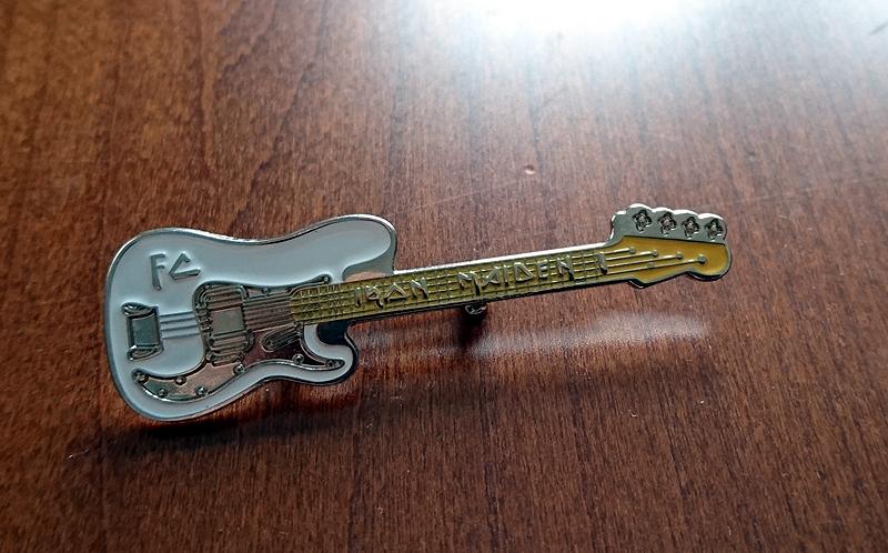 Znaczek przypinka pin gitara IRON MAIDEN Oryginał!
