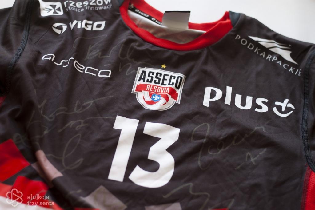 Koszulka Masłowskiego z autografami zawodników