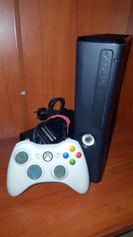 KONSOLA XBOX 360 250GB PAD KABLE