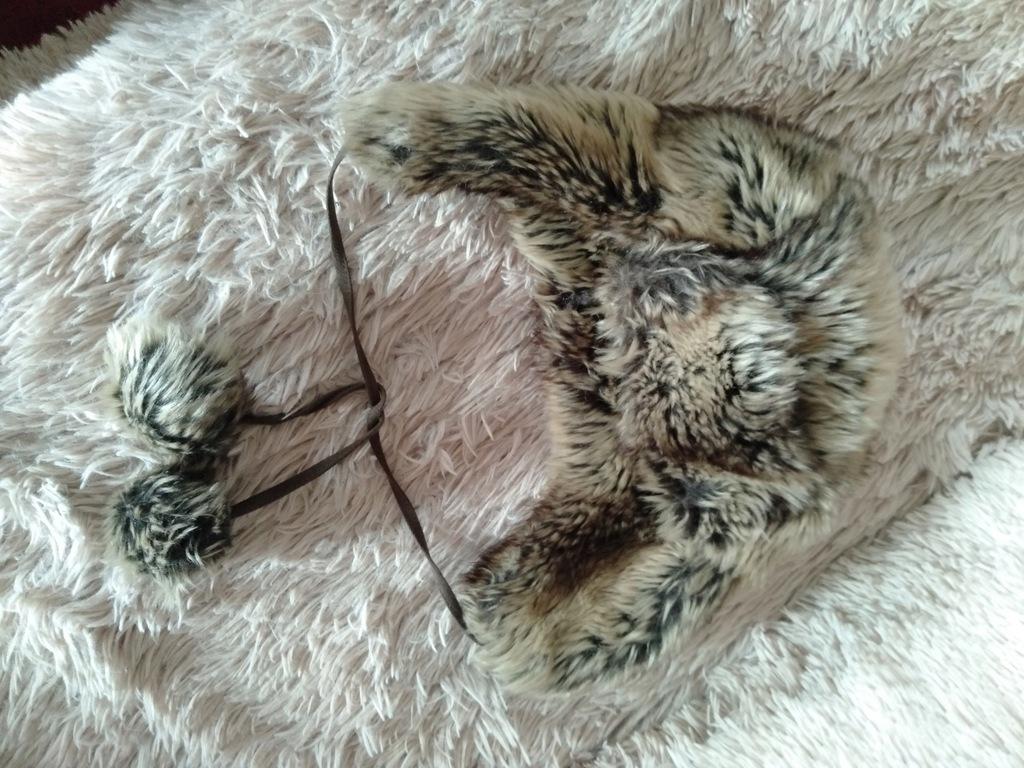 czapka uszatka futerko zima pompony ciepła czapa