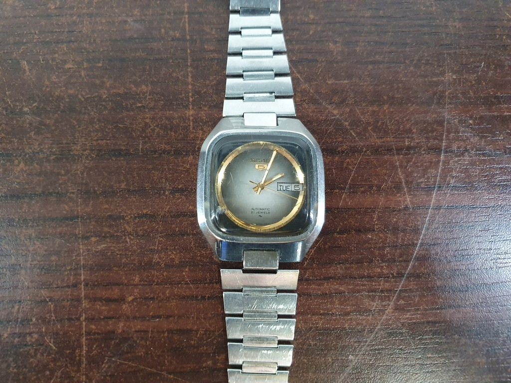 Zegarek Seiko 5 (uszkodzona bransoleta)