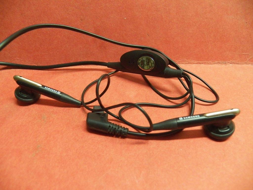 Słuchawki z mikrofonem SAMSUNG