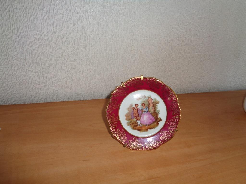 porcelanowy talerzyk francuskiej wytwórni LIMOGES
