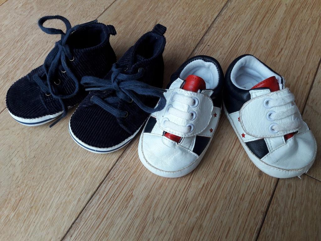 2 pary bucików dla niemowląt na wiosnę r. 6-12 m.