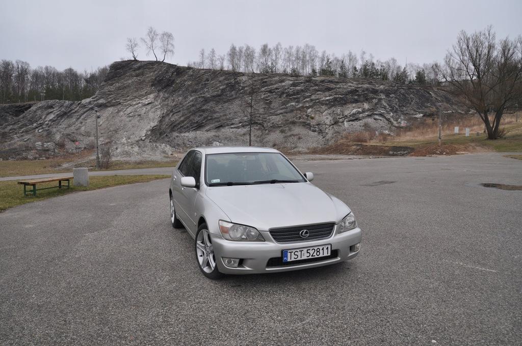 Lexus IS 200 rok 2000