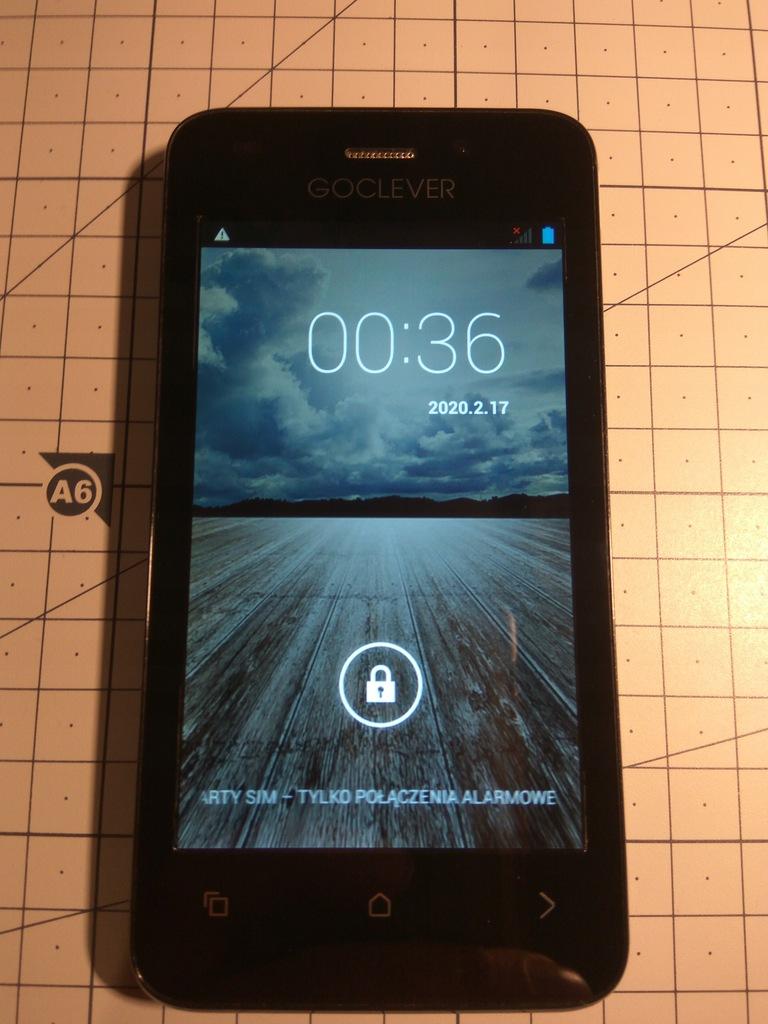 Mały zgrabny smartfon GoClever Quantum 4