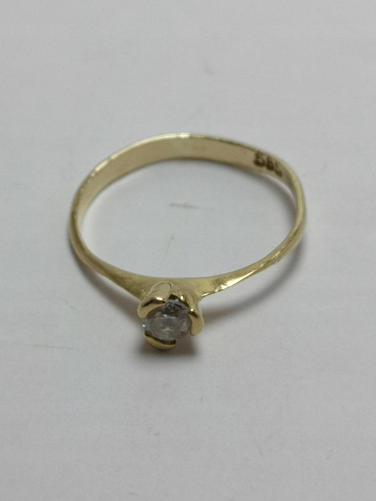 Złoty pierścionek p.585 1,15g r.13