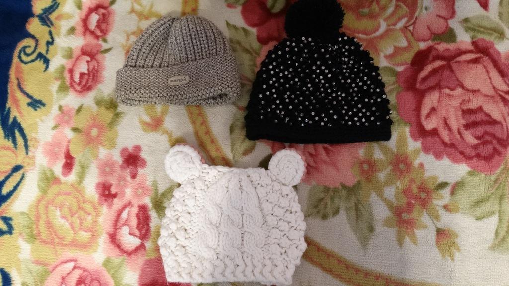 3 damskie czapki zimowe-Margot