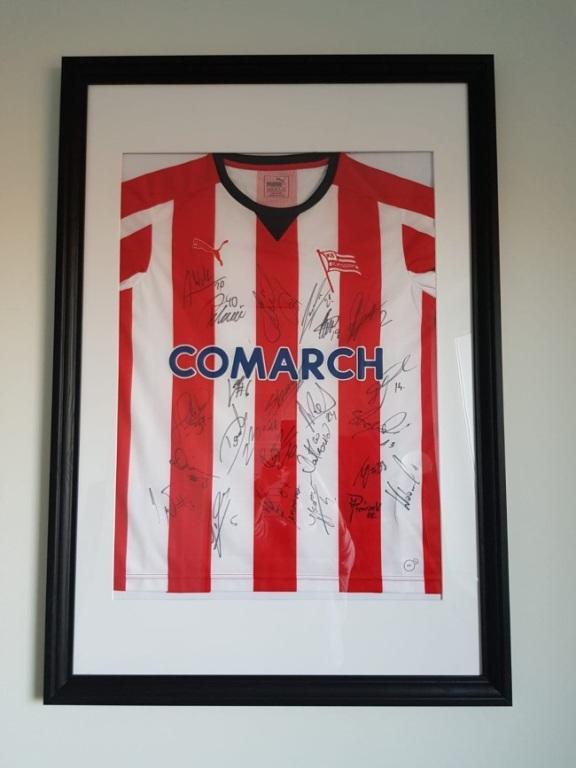 Oryginalna koszulka meczowa Cracovii z autografami