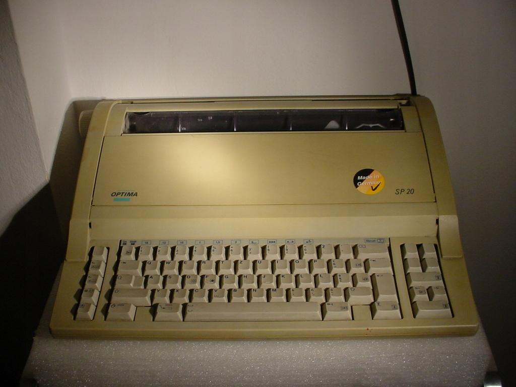 * Elek. Maszyna do pisania OPTIMA SP20 ZILOG1701 *