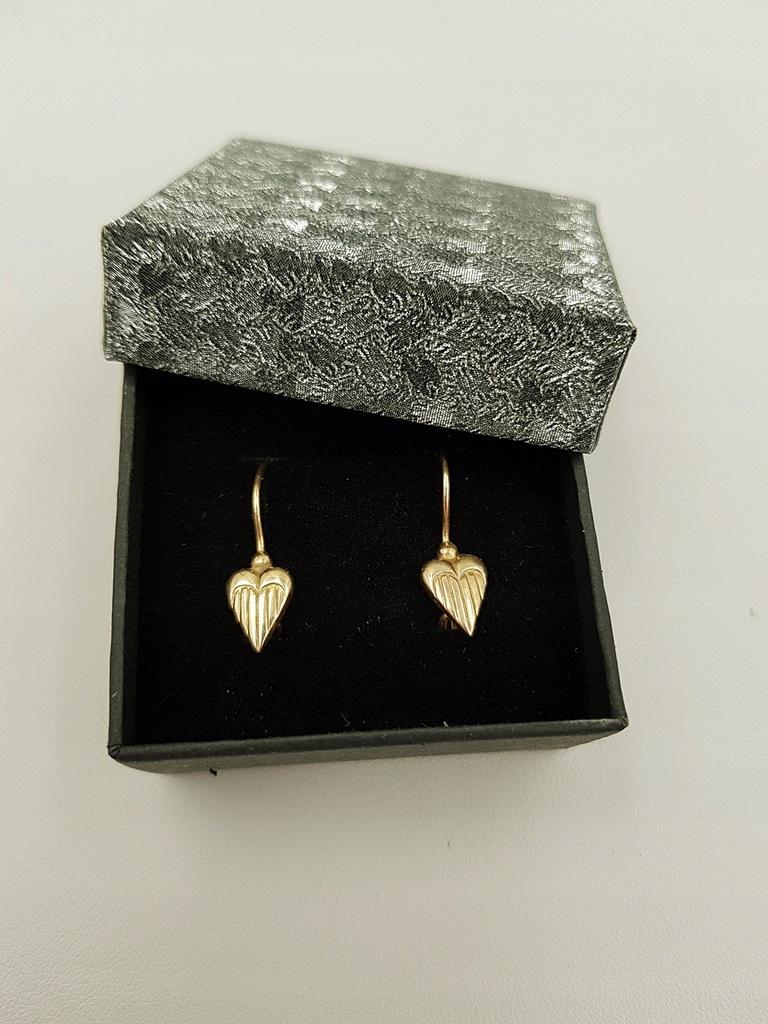 Złote damskie kolczyki serca wiszące 585