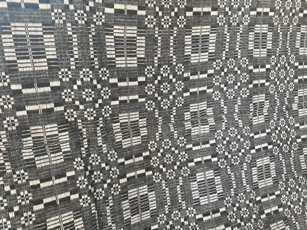Dawny dywan chodnikowy, pasiak