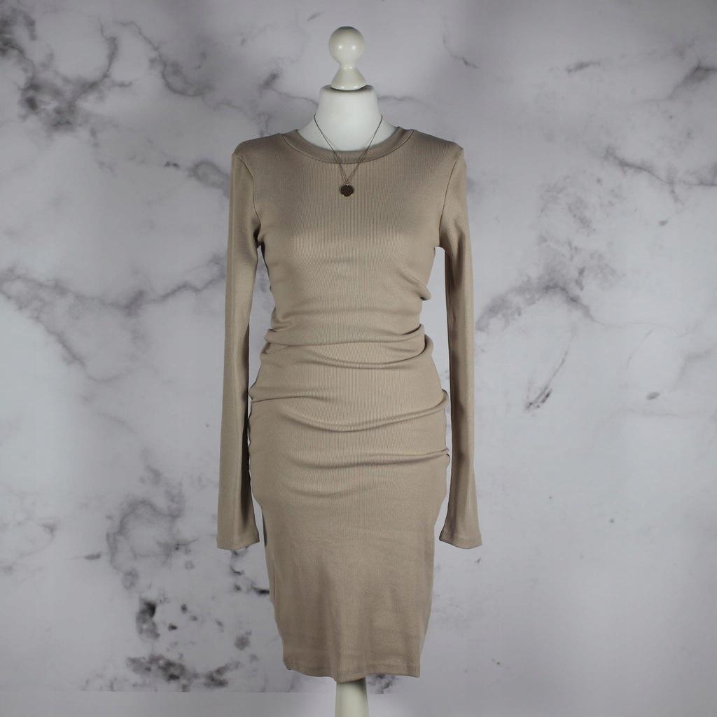 beżowa prążkowana sukienka z okrągłym dekoltem M