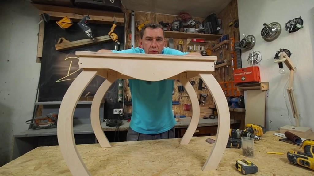 Darek Stolarz Kreatywny stolik dla milusińskich