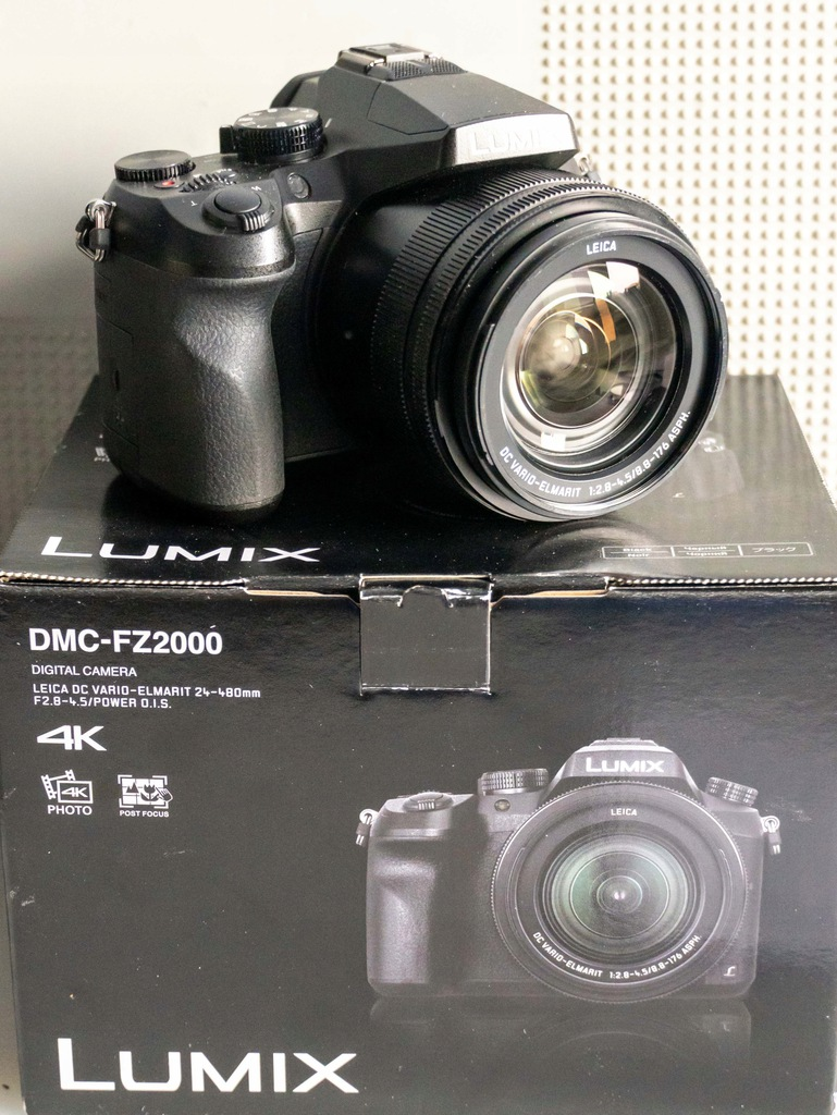 Panasonic Lumix DMC-FZ2000 Czarny