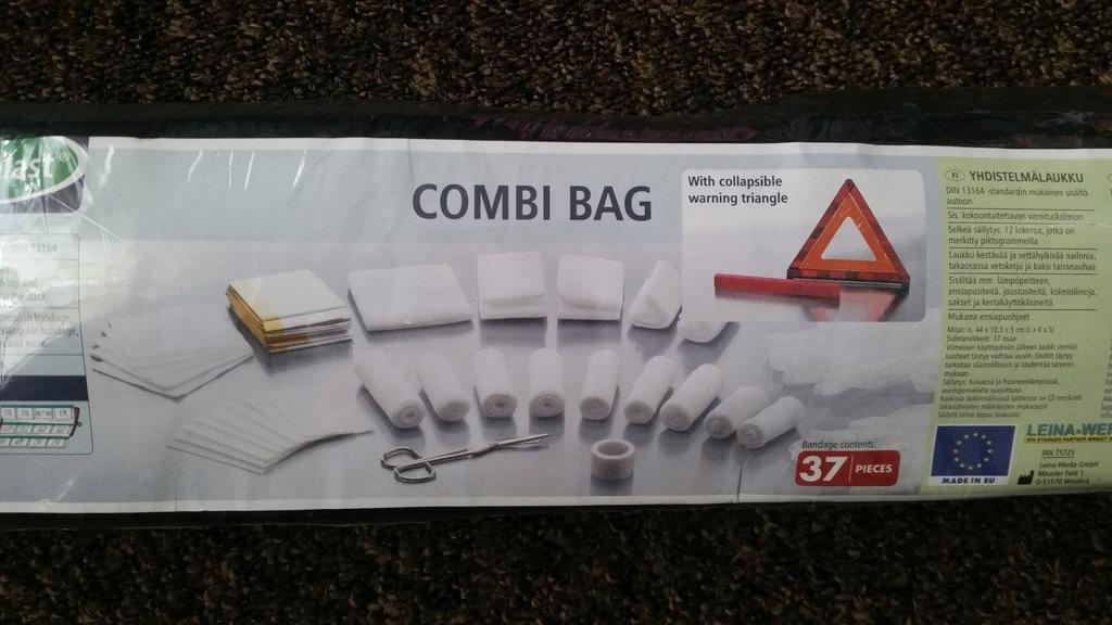 Apteczka samochodowa z trójkątem /Combi Bag