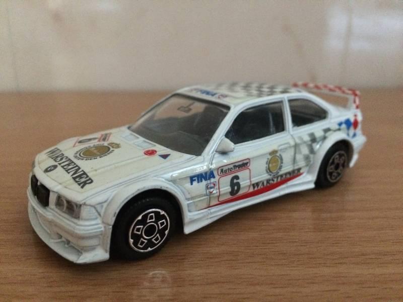 Replika model BMW samochodzik