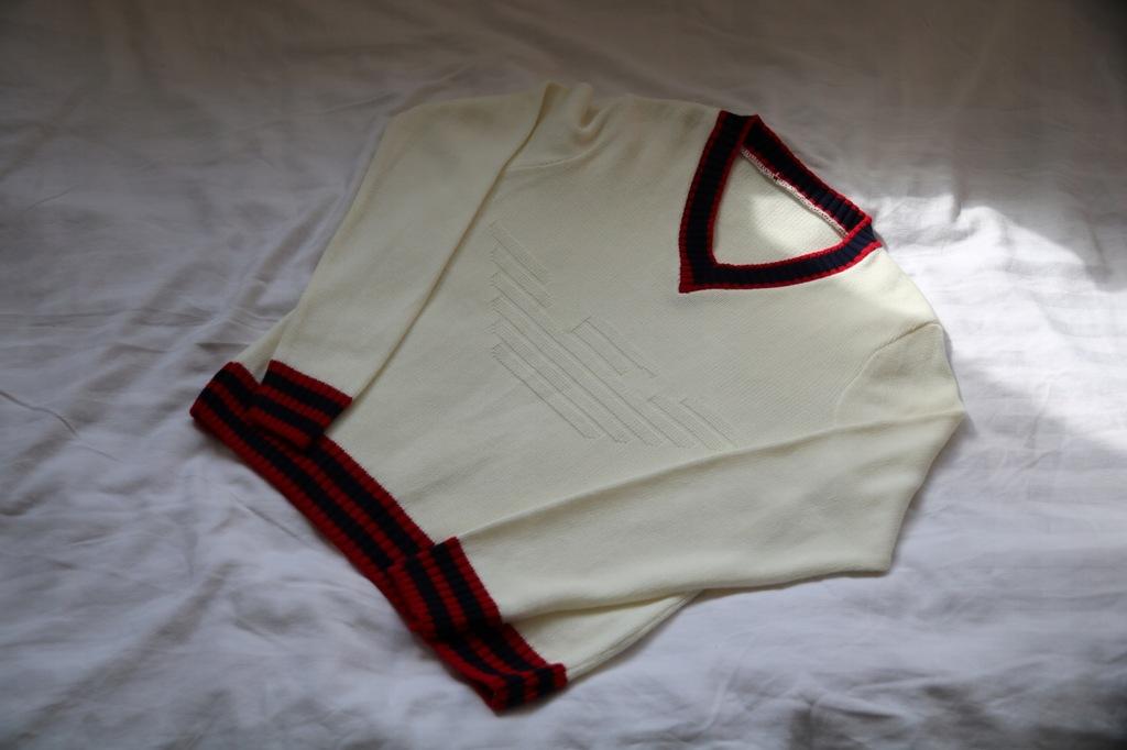 ARMANI GIORGIO swetr w serek made in U.K roz.M