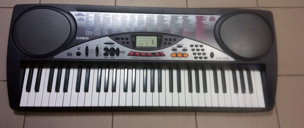 Keybord Casio LK 50