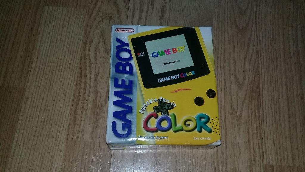 GameBoy Color ŻÓŁTY - komplet w pudełku