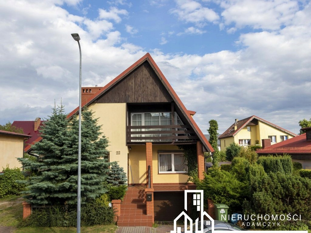 Dom, Szczecinek, Szczecinecki (pow.), 289 m²